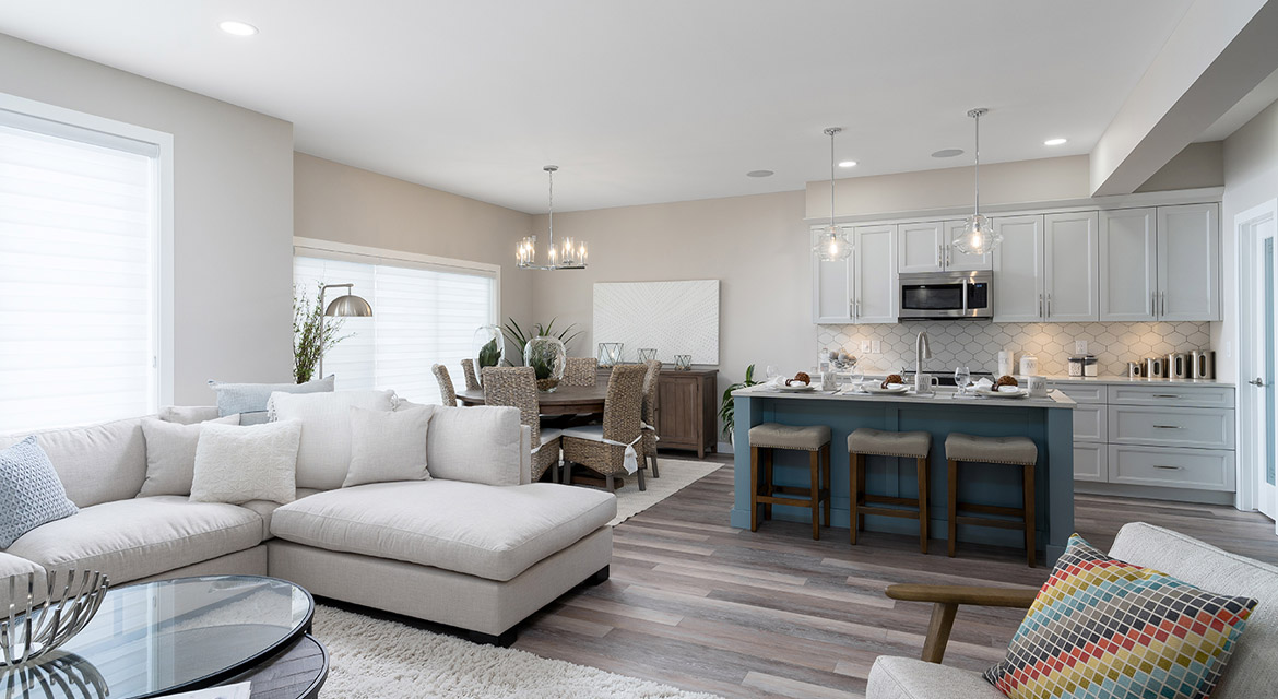 12. Great Room Eating Area and Kitchen - 63 Crestmont Drive The Harlow DG 17 A Broadview Homes Winnipeg