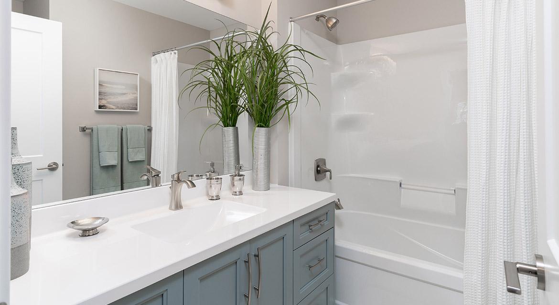 18. Main Bathroom - 63 Crestmont Drive The Harlow DG 17 A Broadview Homes Winnipeg
