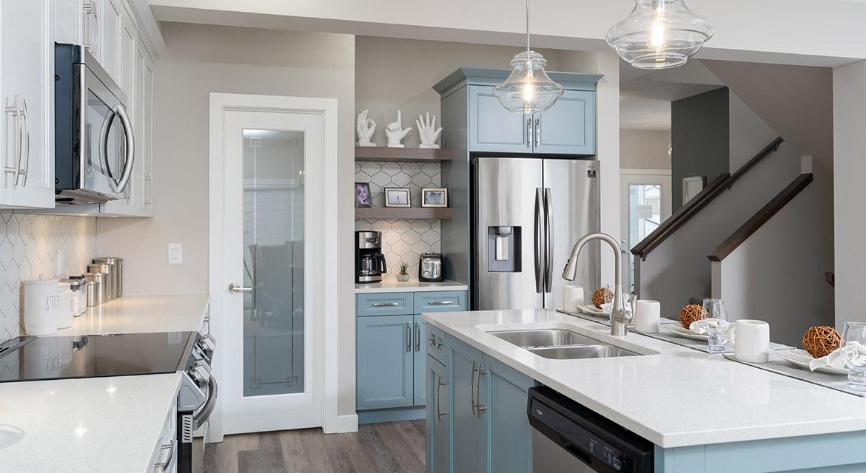 7. Kitchen - 63 Crestmont Drive The Harlow DG 17 A Broadview Homes Winnipeg