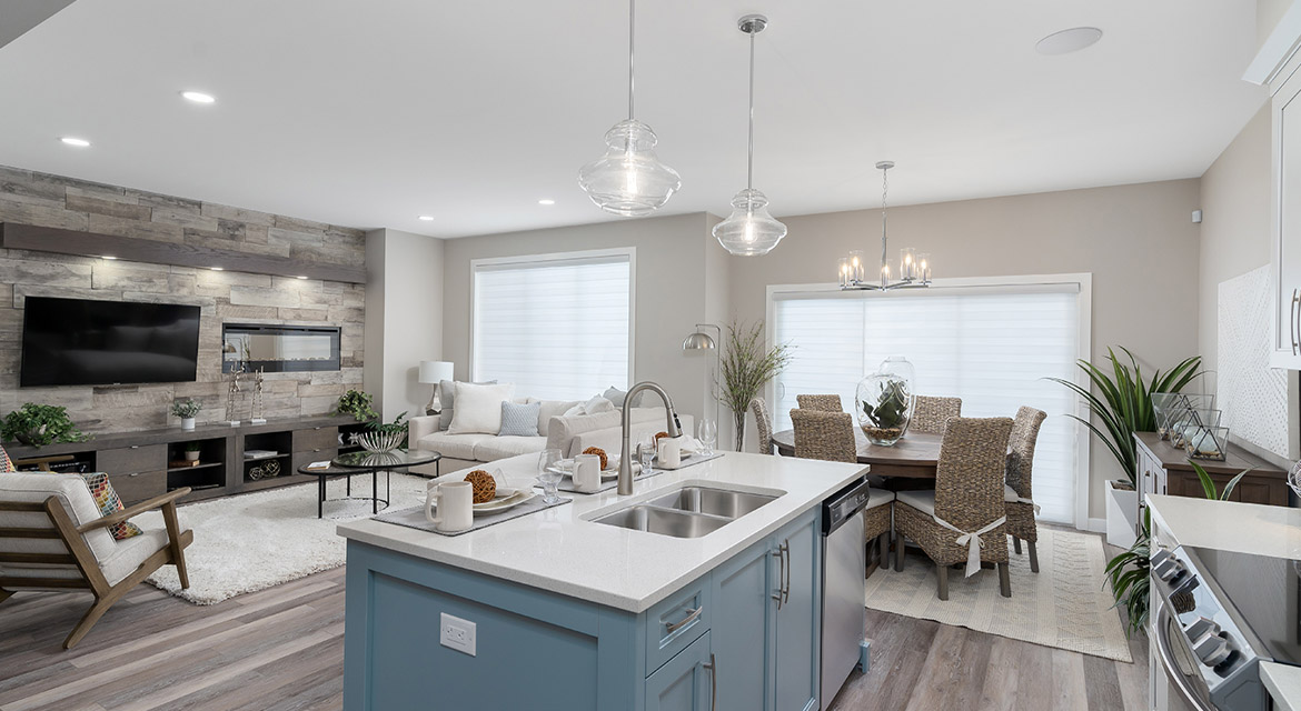 9. Kitchen Eating Area and Great Room - 63 Crestmont Drive The Harlow DG 17 A Broadview Homes Winnipeg