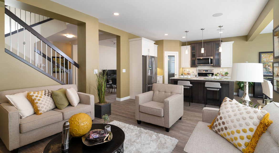 7. Great room and Kitchen - 15 George Barone Bay The Upton DG 47 A Broadview Homes Winnipeg