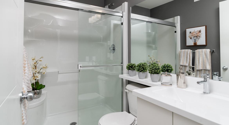 3. Main Floor Bathroom - 15 High Park Drive - The Monticello DG 16 H Broadview Homes Winnipeg