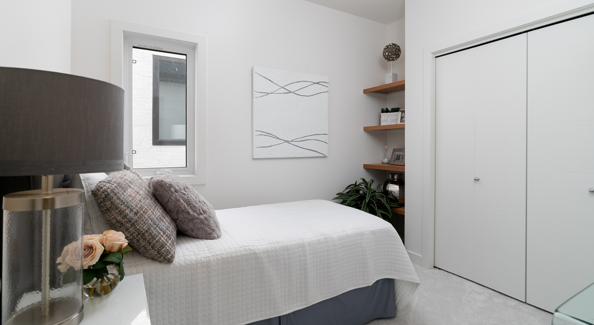 4. Guest Bedroom - 15 High Park Drive - The Monticello DG 16 H Broadview Homes Winnipeg