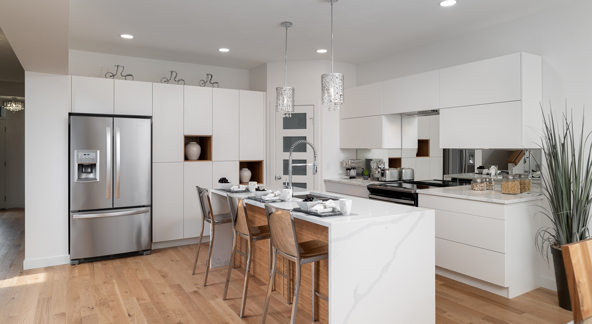 9. Kitchen - 15 High Park Drive - The Monticello DG 16 H Broadview Homes Winnipeg
