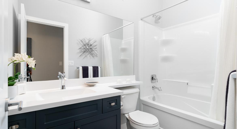 8. Main Bathroom - 302 Tanager Trail DG 23 B The Grayson Broadview Homes Winnipeg