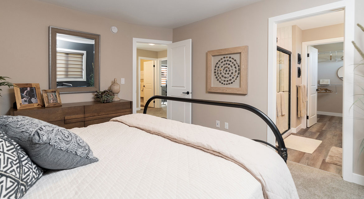 12. Master Bedroom - 314 Tanager Trail The Avalon DG 15 A Broadview Homes Winnipeg