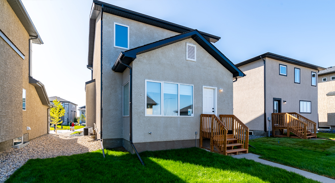 17. Rear Exterior - 326 Tanager The Torres RG 106 D Broadview Homes Winnipeg