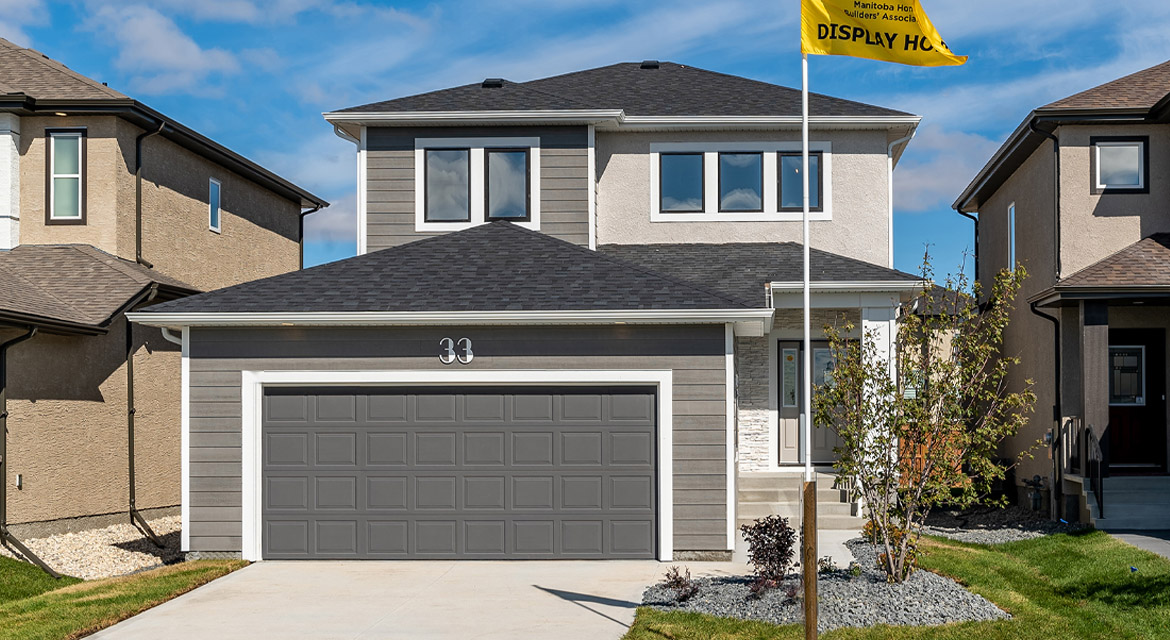 1. Front Exterior - 33 McCrindle The Dawson DG 11 A Broadview Homes Winnipeg