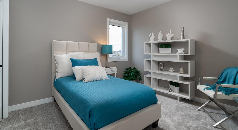 13. Secondary Bedroom - 33 McCrindle The Dawson DG 11 A Broadview Homes Winnipeg