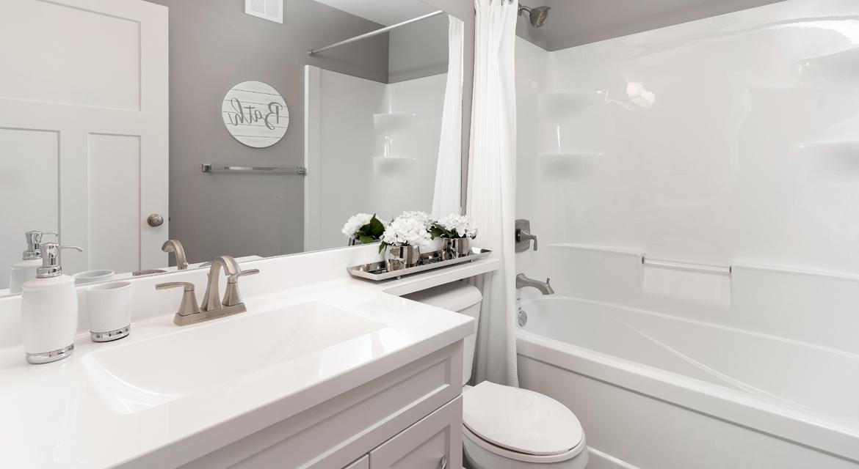 13. Main Bathroom  - 4 Merkel Manza The Dawson DG 11 Broadview Homes Winnipeg