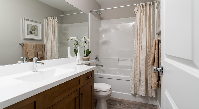 16. Main Bathroom - 5 Orion The Atwood DG 45 A Broadview Homes Winnipeg
