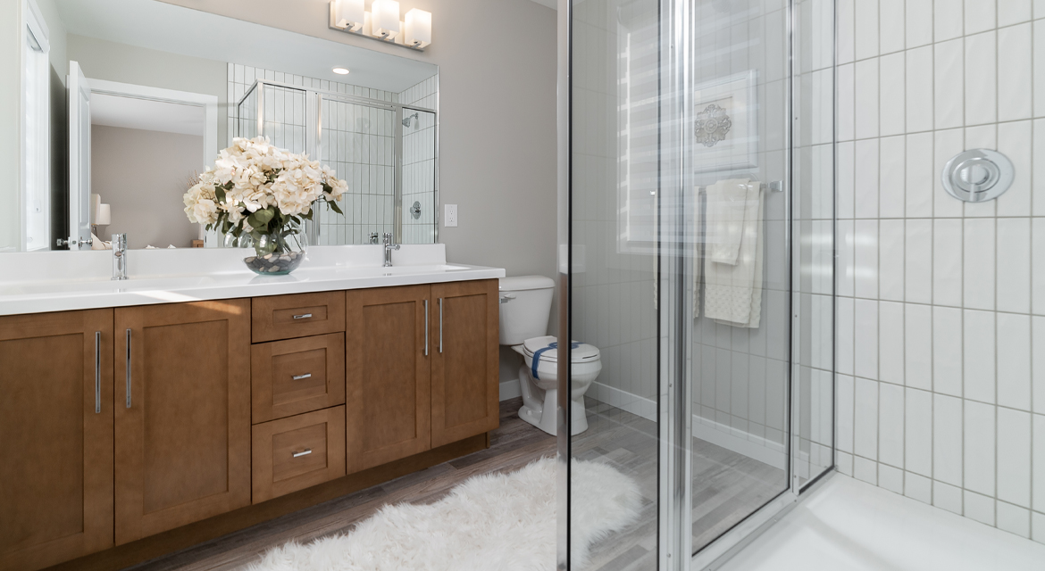 20. Ensuite - 5 Orion The Atwood DG 45 A Broadview Homes Winnipeg