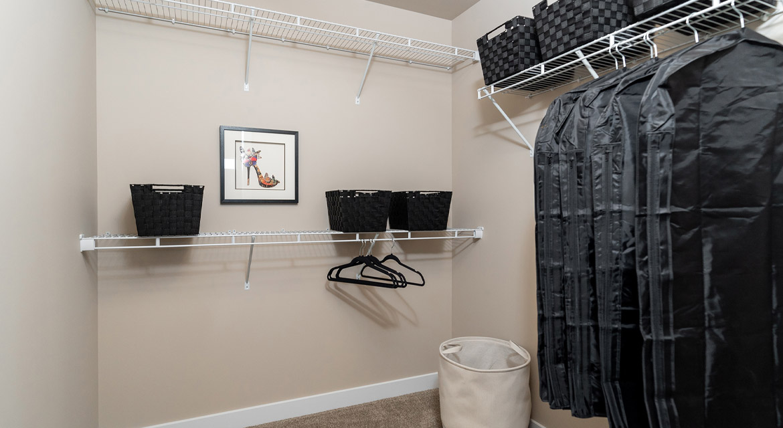 16. Walk-in Closet - 6 McCrindle Bay - DG 16 G The Monitcello Broadview Homes Winnipeg