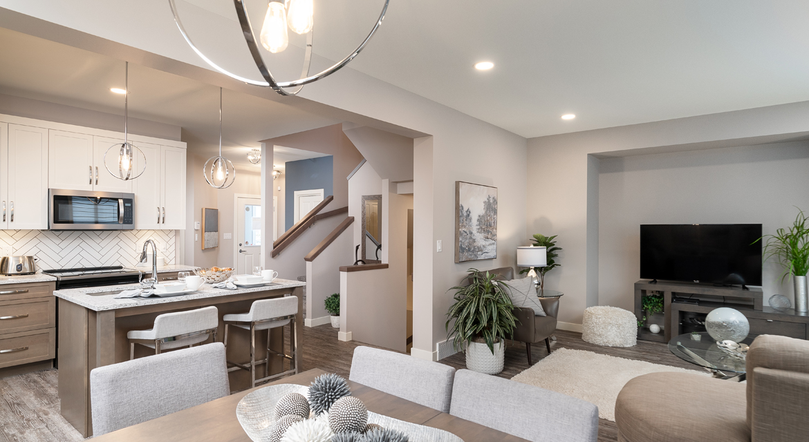 8. Kitchen and Great Room - 84 Crestmont The Preston DG 10 A Broadview Homes Winnipeg