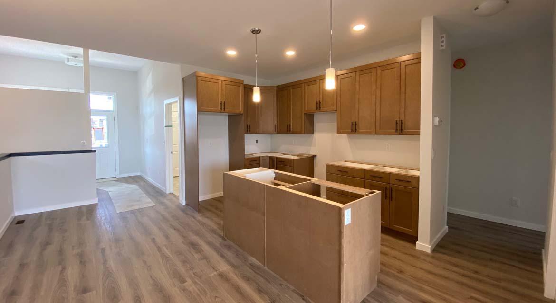 5.Kitchen-131-desrosiers-drive-the-heritage-dg-33-a-broadview-homes-winnipeg