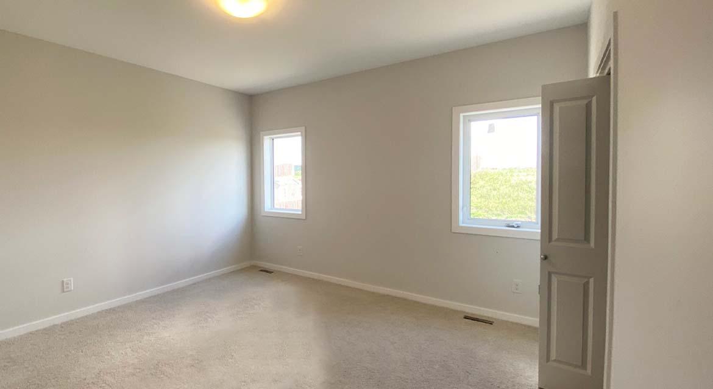 6.Primary-Bedroom-131-desrosiers-drive-the-heritage-dg-33-a-broadview-homes-winnipeg