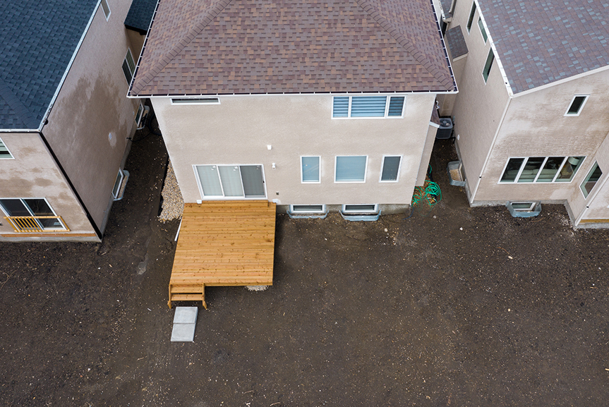 17. 283 John Neufeld - Aerial Rear Elevation with Deck Broadview Homes The Avalon DG 15 A