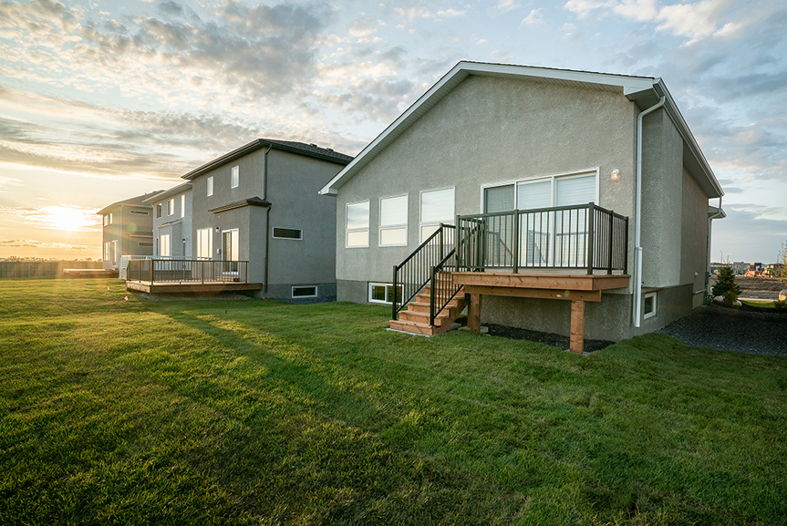 11. 323 Tanager Trail - Rear Deck Broadview Homes The Highview DG 43 A