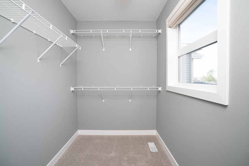 12. 352 Atlas - Walk-in Closet - Broadview Homes The Preston DG 10 A