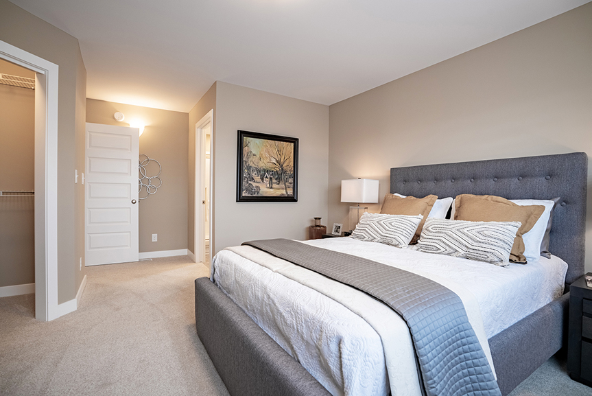 13. 563 Blvd - Master Bedroom - Broadview Homes The Upton DG 47 A