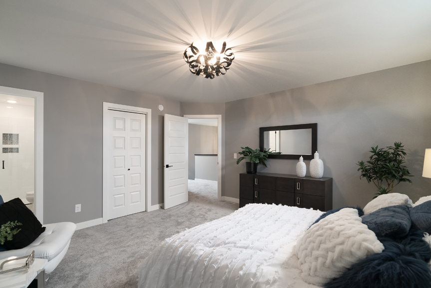 13. 88 Skyline Master Bedroom - Broadview Homes The Monticello DG 16 G
