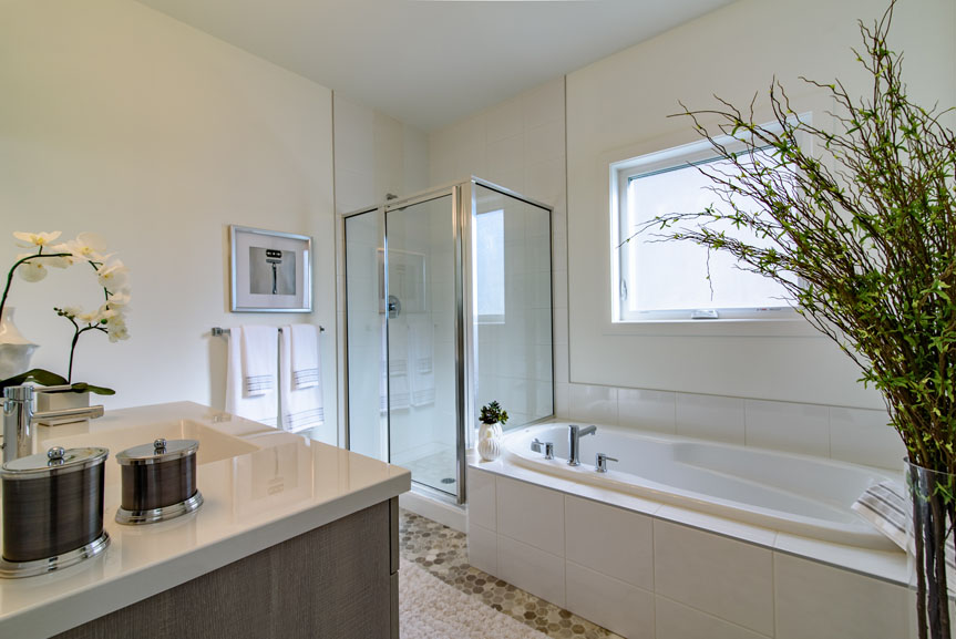 Clean and Bright Ensuite with White Walls and Tile