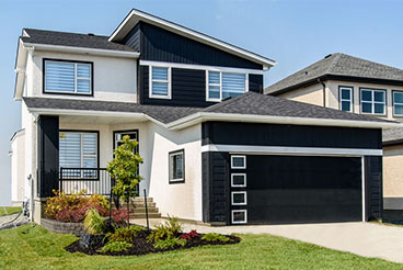 Contemporary yet modern home exterior with stucco and vinyl siding