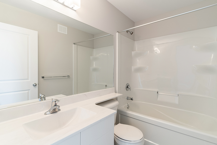12. Main Bathroom - 119 Fieldhouse The Dawson DG 11 A Broadview Homes Winnipeg