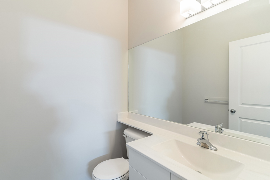 4. Powder Room - 119 Fieldhouse The Dawson DG 11 A Broadview Homes Winnipeg