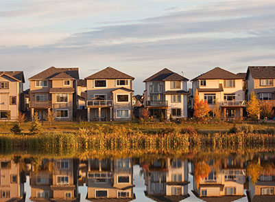Community Photo of Houses in front of a lake Broadview Homes
